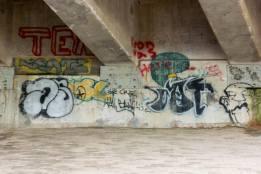8Graffiti - N2 Freeway bridge over the Mtwalume river, KZN