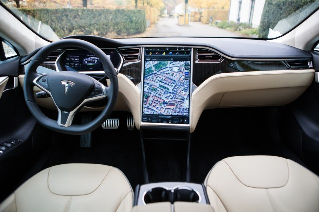 tesla_dashboard-1