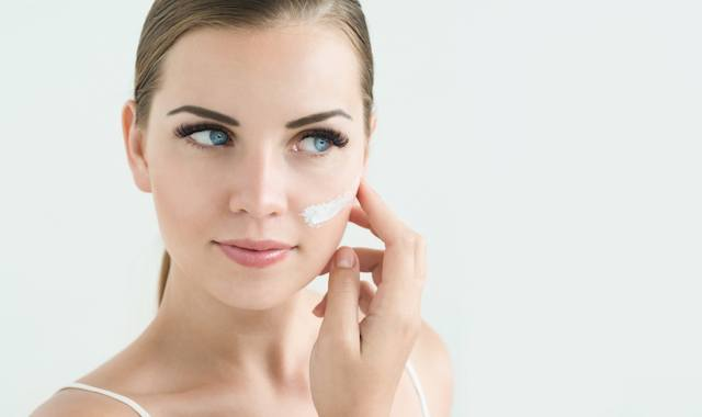 11-Things-You-Need-To-Know-About-Moisturizing-Your-Face