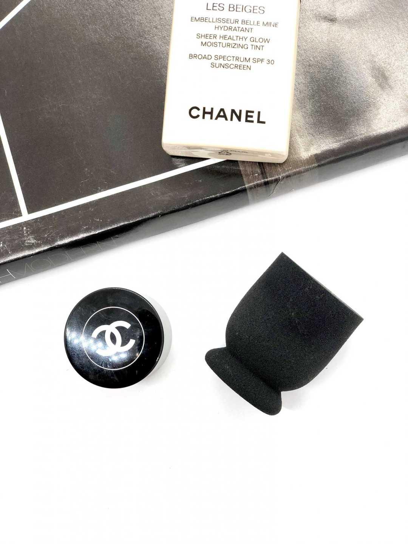 Chanel foundation sponge brush