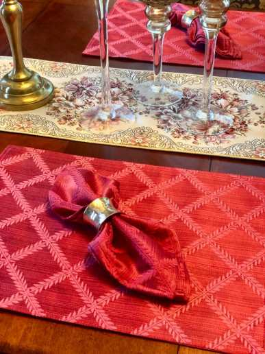 red napkin and placemats
