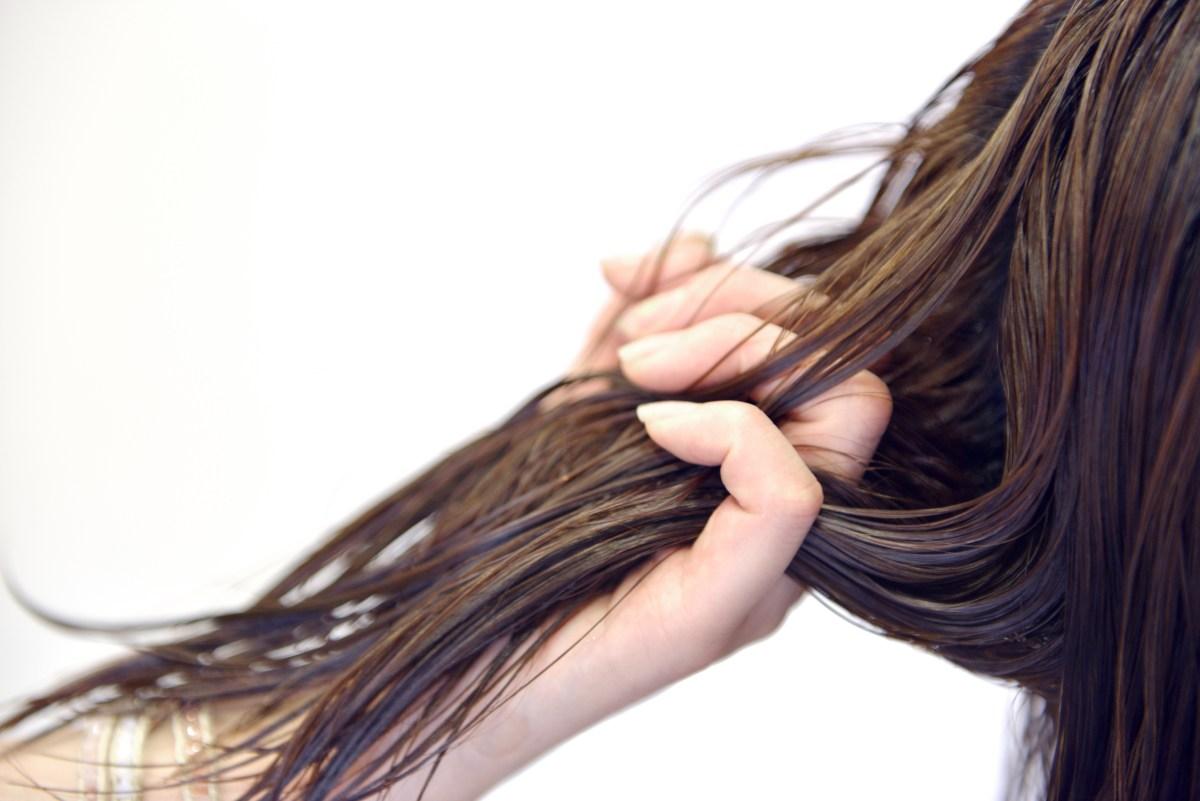 脱シャンプー!シャンプーをやめたら髪が元気になった!ノーシャンプー、湯シャンで十分です。