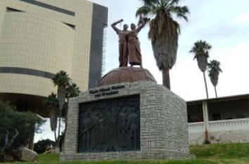 2014-Genozid-Denkmal-Kohrs-a