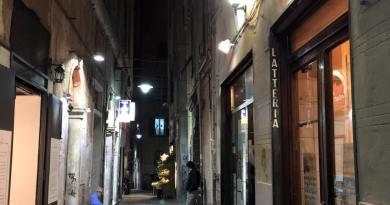 Via San bernardo Caffè Cabona centro storico