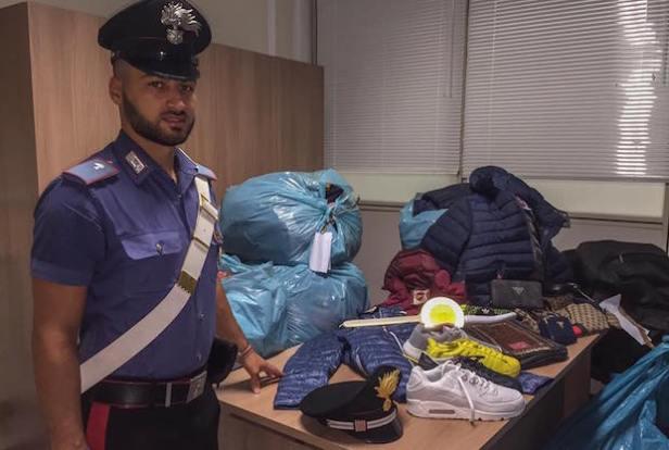 farsi griffe contraffatto carabinieri maddalena