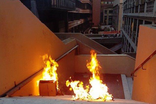 cartoni a fuoco