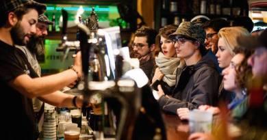 Stasera il St. Patrick Day responsabile del Molly Malone's: pullman gratuiti e bicchieri con cauzione