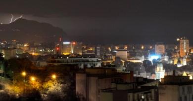 Meteo – aggiornamento di mezzanotte. Tempesta di fulmini a levante e piogge forti in riviera