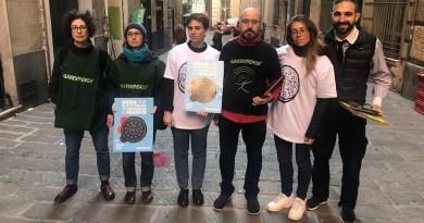 Greenpeace anche a Genova nei supermercati contro gli Oreo e l'olio di palma