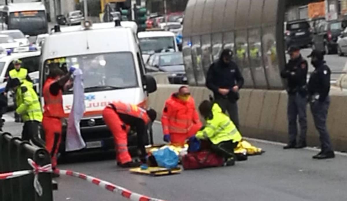 Incidente in corso Europa, inutili i soccorsi: muore un trentenne. Gravemente ferita un'anziana