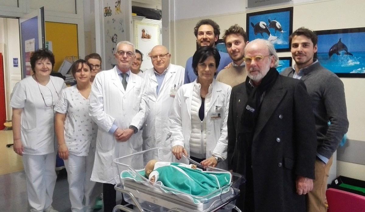 L'Associazione Matteo Farinelli dona all'ospedale Villa Scassi 3 strumenti per la cura dei neonati