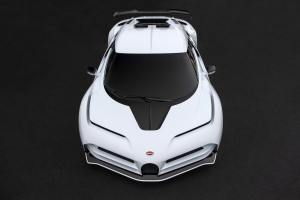 - GQW_Bugatti_Le_Domaine_Pebble_Beach_08196-min