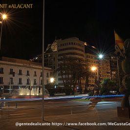 Plaza de la Puerta del Mar imagen nocturna de Alicante