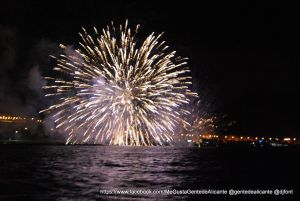 1-FOTO-FUEGOS-ARTIFICIALES-ALICANTE (82)