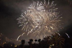 castillos-fuegos-artificiales-fiestas-agosto-elche-provincia-alicante-españa