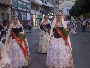 ofrenda-flores-fiestas-agosto-elche-provincia-alicante-españa