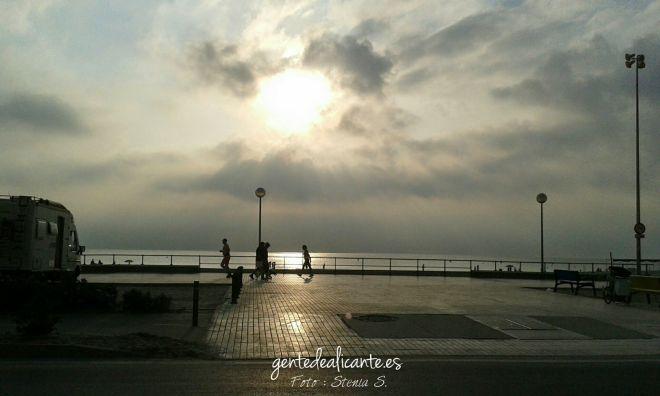 Playa-San-Juan-Alicante-amanece-nublado