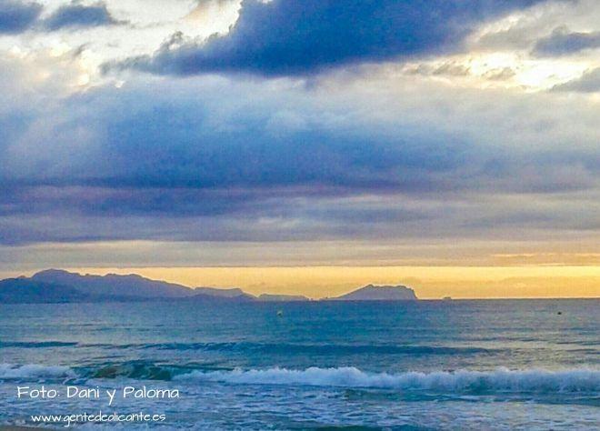 Amanecer-nublado-playa-san-juan-alicante-dani