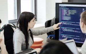 Dones programadores.