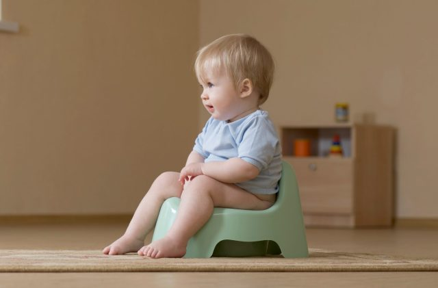 Easy steps to potty train a toddler
