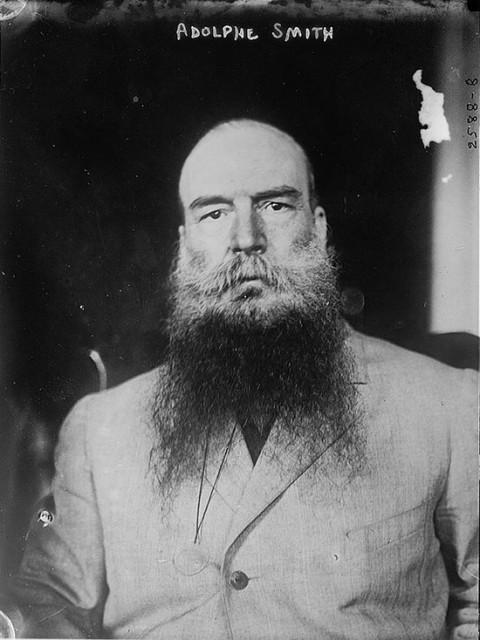 Radikalni novinar iz Yorkshirea Adolphe Smith koji je radio s fotografom Johnom Thomsonom.