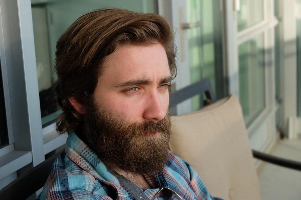 Gospodo, da li ste se ikad zapitali kako ubrzati rast kose (ili brade)?