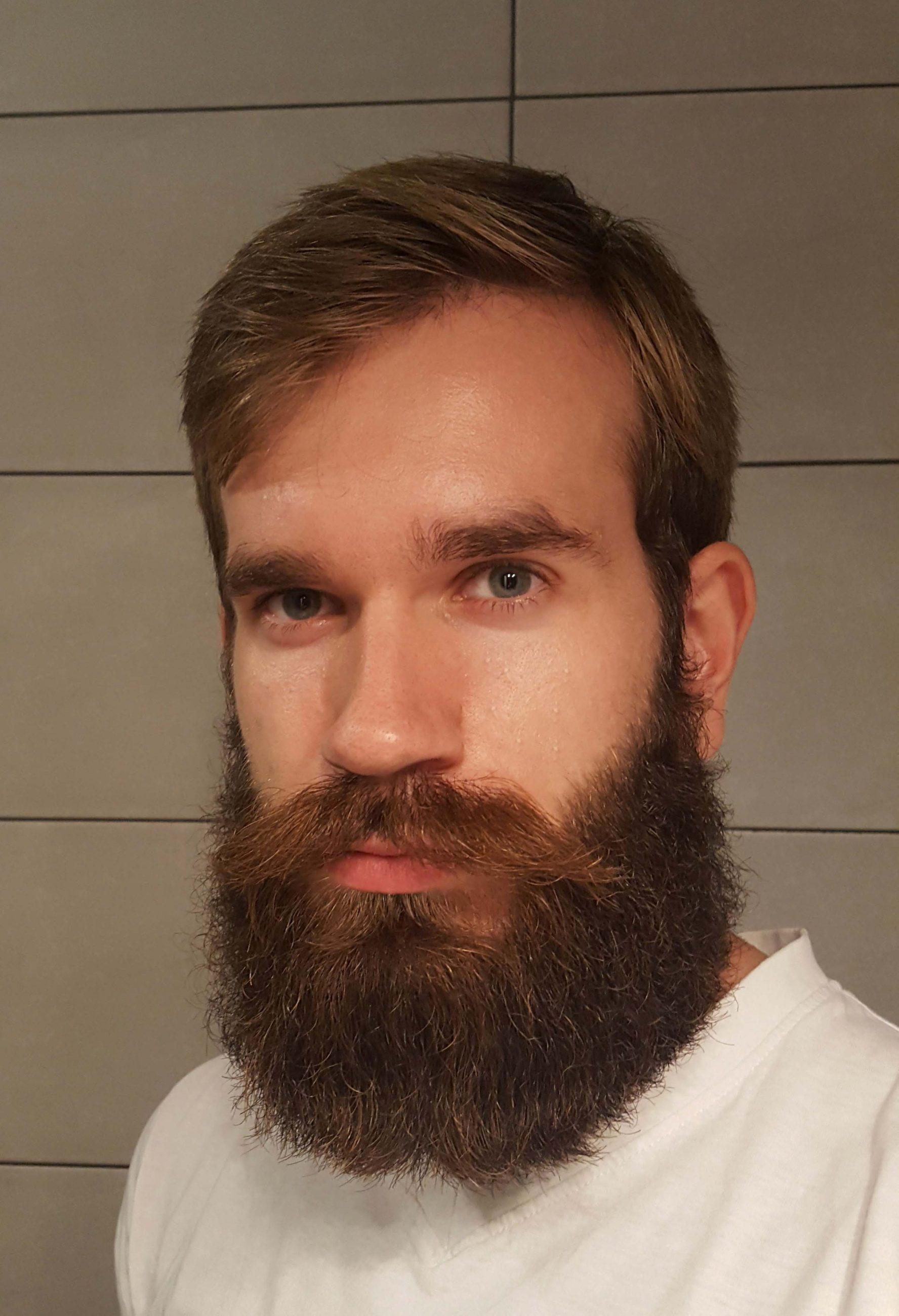 True love is like a beard, it never ends... / Jrajic