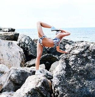 woman-pilot-yoga-maria-pettersson15