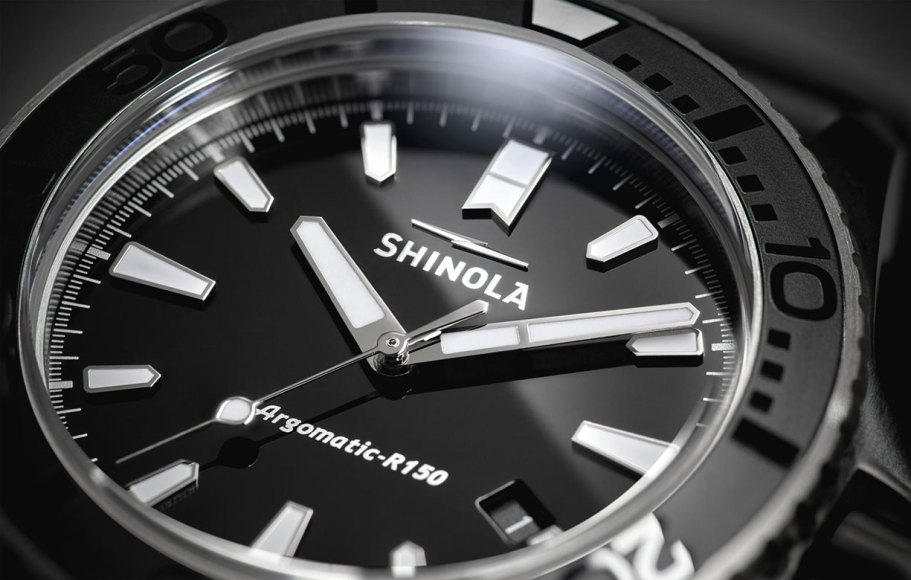 s0120079528_reflective_dial_2