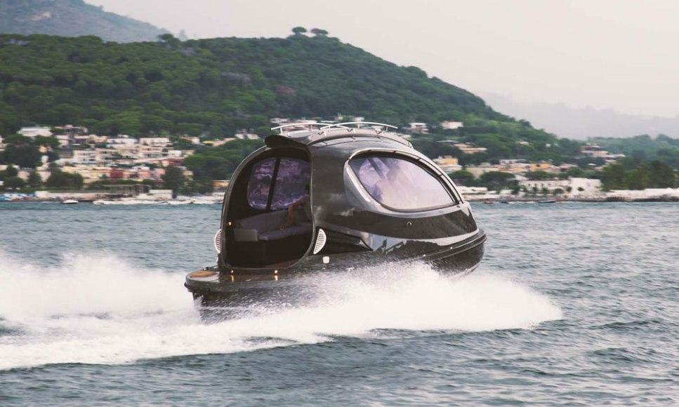 Jet-Capsule-Mini-Yacht-4