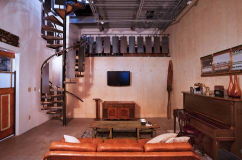 Točité schodisko v industriálnom štýle
