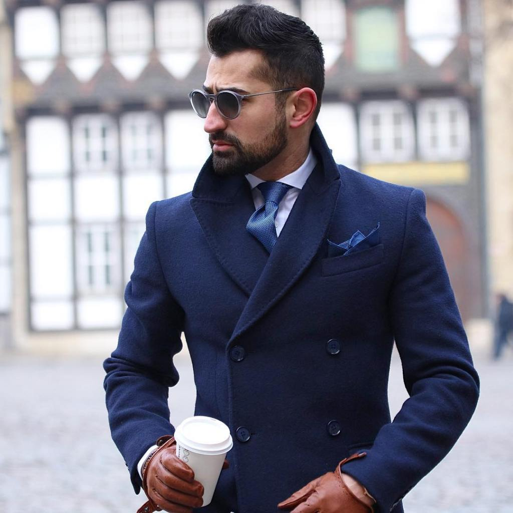 Beautiful tie-coat combo