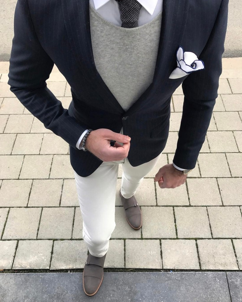 Great contrasting pocket square