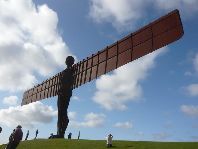 Britain's largest sculpture – Thursday Travel Picture