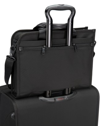 Tumi-Alpha-Slim-Deluxe-Portfolio-10975659-245-26110-attached