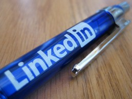 Productive social media: How network on LinkedIn