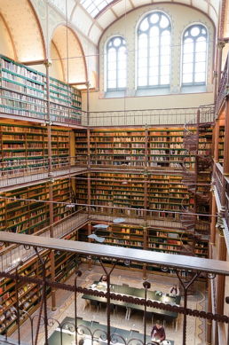 Why You Should Explore a Big Library at Least Once in Your Life
