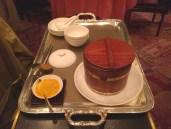 原桶即撞豆腐花 Bean curd pudding served in wooden bucket