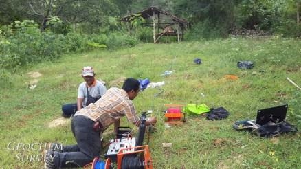 Survey geolistrik resistivity pasir kuarsa metode schlumberger di Tuban
