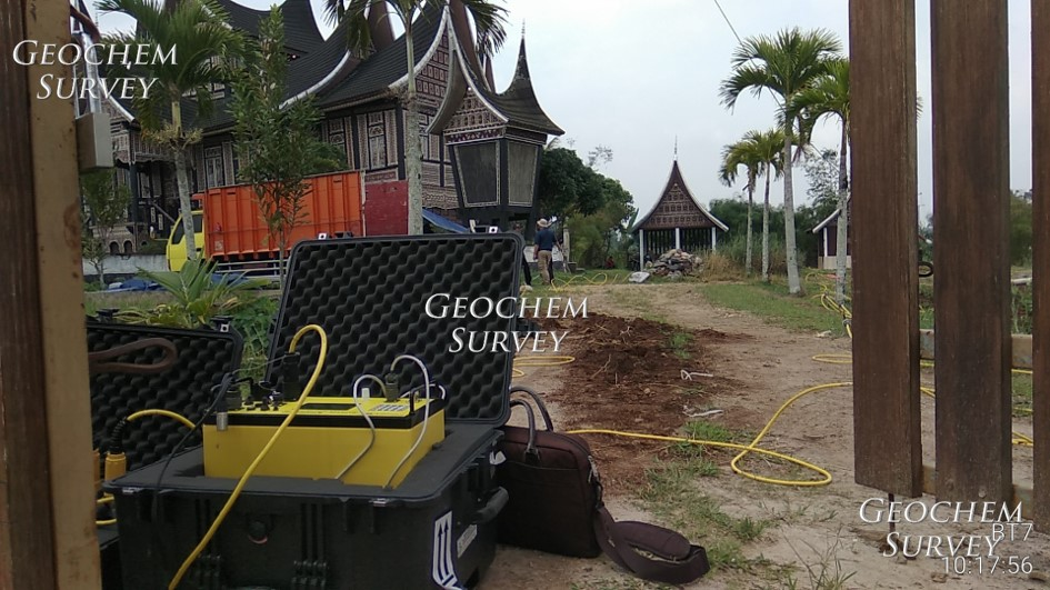 Team Geochem Survey Geolistrik menggunakan Supersting