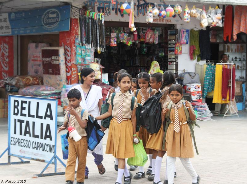 Ecolières et écoliers  au Rajasthan