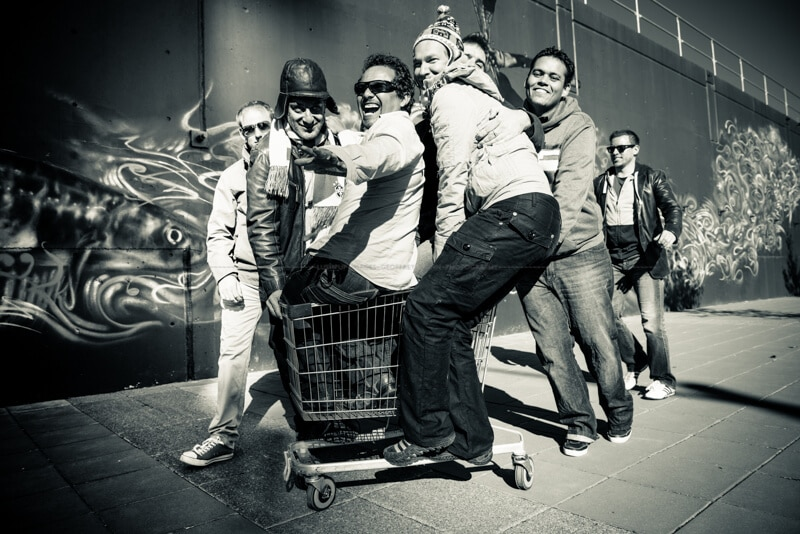 6 lads on a shopping trolley ... what could possibly go wrong?
