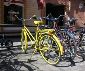 Yellow_bicycle