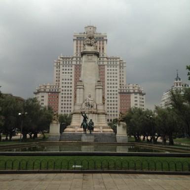2015 06-11 Plaza de España Statue