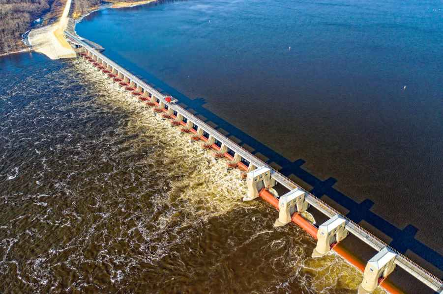 Factors which have favoured the establishment of kainji dam project