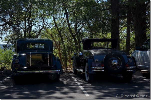 05e Old cars in parking lot NR GRCA NP AZ (1024x680)