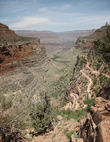08er 01 North Rim-Plateau Point-Indian Garden-3 mile house from Bright Angel Trail GRCA AZ pano (793x1024)