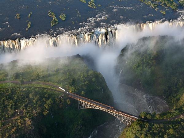 09 Victoria-Falls (1024x768)