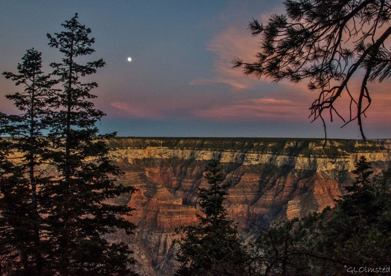 Moon & sunset NR Grand Canyon