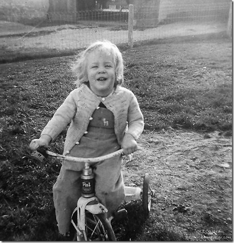 Gaelyn April 1956 Spring Road Hinsdale Illinois